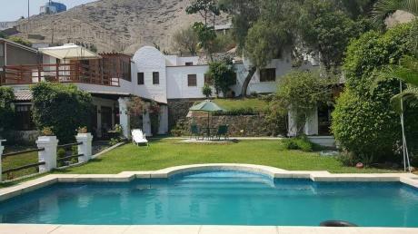 Hermosa Casa En La Urb. El Sol De La Molina