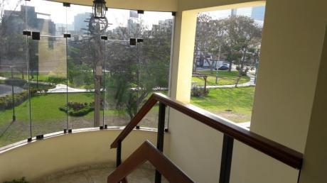San Borja F/parque, Amplio, 3 Dorm. 153 M2, 2 Cocheras Paralelas, Patio $239 Mil