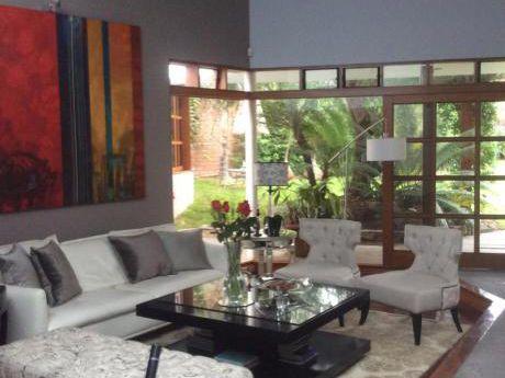 Alquiler | Rinconada Del Lago Casa De 400 M2 + Casa De Huesped O Oficina