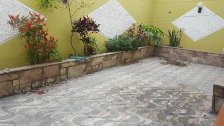 Preciosa Casa De 3 Pisos A Media Cuadra De Matellini - Chorrillos
