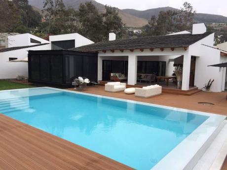 Hermosa Casa En Venta En Casuarinas, Surco -