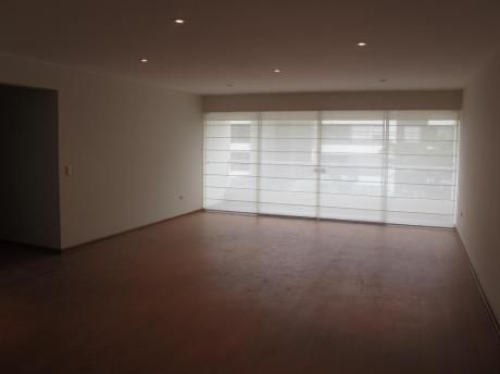 Flat Moderno Con Mucha Iluminación Y Finos Acabados - Laderas De Las Casuarinas
