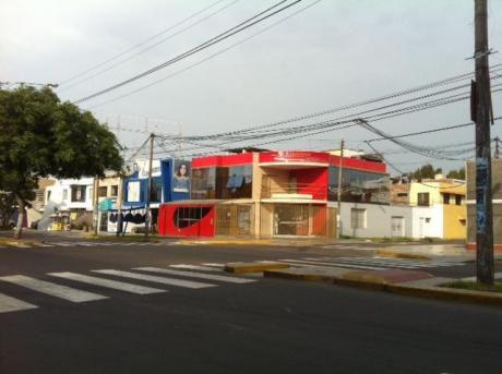 Local Como Terreno Esquina Cda. 5 De Av Larco - Urb. San Andres - Trujillo