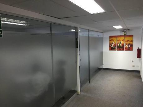 Alquilo Oficinas Implementadas En El Centro Financiero De San Isidro