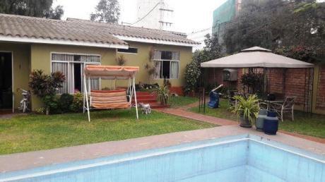 Casa Preciosa A Precio Increíble!,484 M2, 5 Dorm, Piscina,2 Cocheras, La Molina