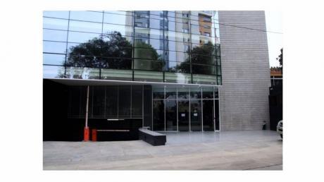 Alquiler De Oficina En Edificio Moderno