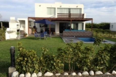 Ocasion Venta De Casa De Playa Con Piscina Asia Boulevard