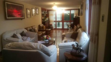 Vendo Amplia Casa En Surquillo - Excelente Ubicacion. Cerca De Villaran