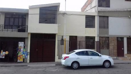 Vendo Amplia Casa En Pablo VI - J. L. B Y R Totalmente Remodelada