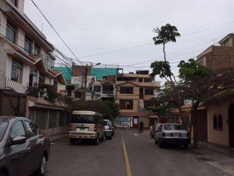 Ocasión Terreno En Venta Las Leyendas En Calle Casimiro Ulloa San Miguel