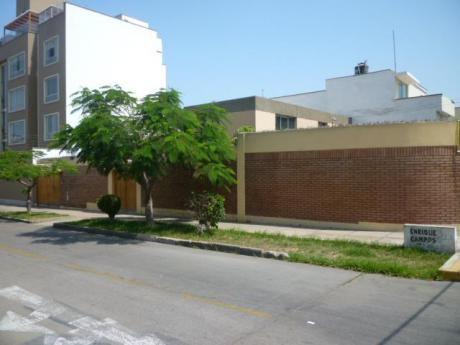Amplia Casa En Esquina En Las Gardenias