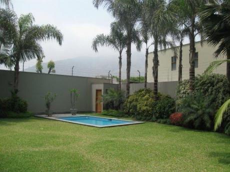 Linda Casa En Alquiler En Condominio En La Planicie