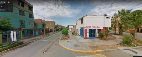 Casa De 2 Pisos En Plena Av Zona Estretegica Urb. Los Granados
