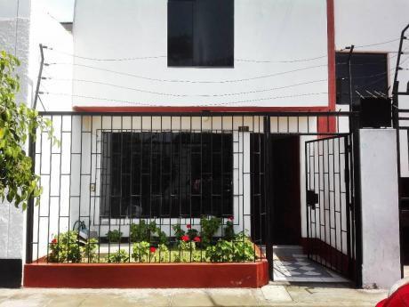Casa De 2 Pisos En Urb. La Merced Incluye Cochera