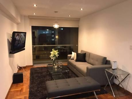 Apartment For Rent In Miraflores - 2 Bedrooms / Alquiler Temporal En Miraflores