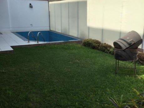 Casa En Alquiler En Urb. El Refugio - La Molina