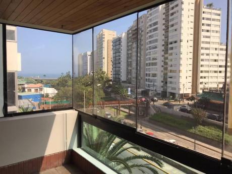 Increible Flat En Miraflores Con Vista Parcial Al Mar