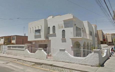 Alquilo Casa Comercial Esquina Ernesto Novoa Umacollo Cerca U. Católica.