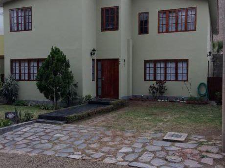 Alquilo La Molina Linda Casa En Condominio
