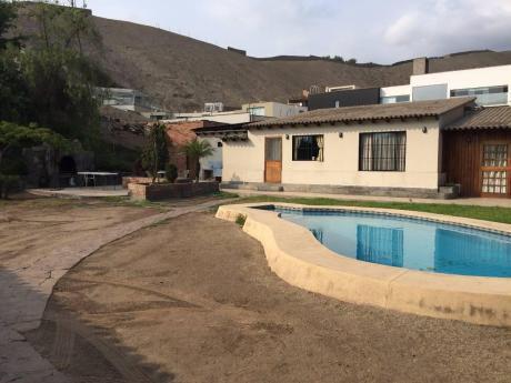 Vendo Casa Como Terreno En El Sol De La Molina, Con Piscina.