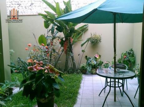 Amplia Casa 3 Pisos 4 Dor + C/serv En Zona Residencial!
