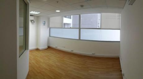 Funcional Oficina En Moderno Centro Empresarial En La Encalada Surco