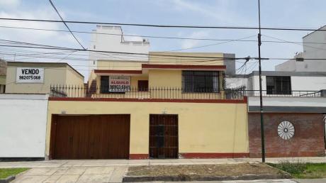 Amplia Casa En Zona Residencial En Alquiler