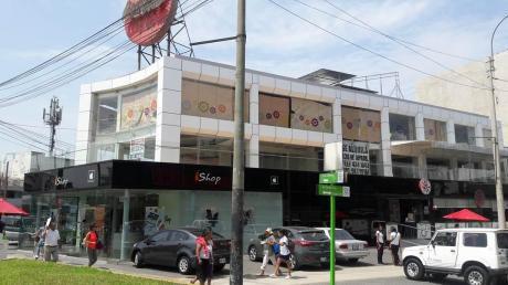 Local Comercial En Excelente Ubicación En Pleno Ovalo Gutierrez