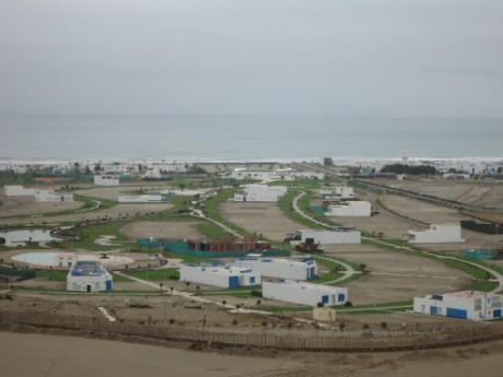 Terreno En Condominio Exclusivo A 2 Minutos De Boulevard De Asia - Playa Coral