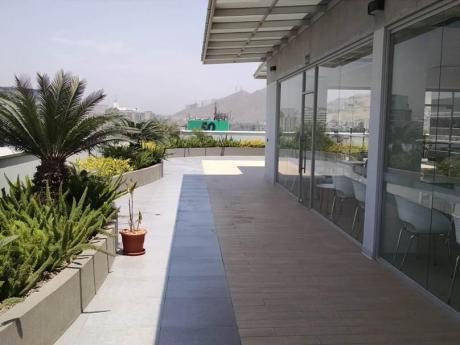 Oficina De Estreno En Moderno Centro Empresarial En La Encalada