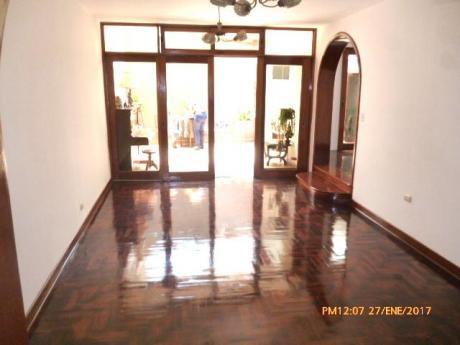 Remato Casa En La Ensenada - La Molina - Usd 345,000 Frente A Parque.