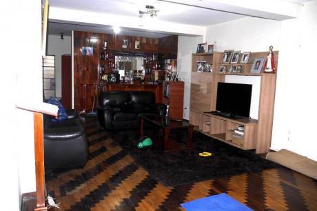 Linda Casa Zona De Salamanca - Ate Alt 13 De Calle Los Quechuas