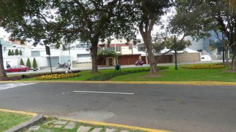 Casa En Urb. Córpac - Cerca Al Ministerio Del Interior