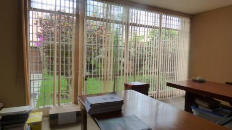 Casa En Miraflores - Cerca A Parque Tradiciones