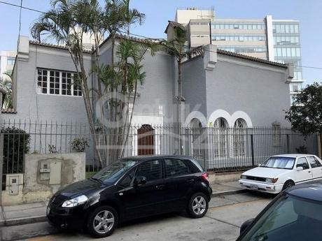 Excelente Casa Como Oficina Muy Bien Ubicada En San Isidro