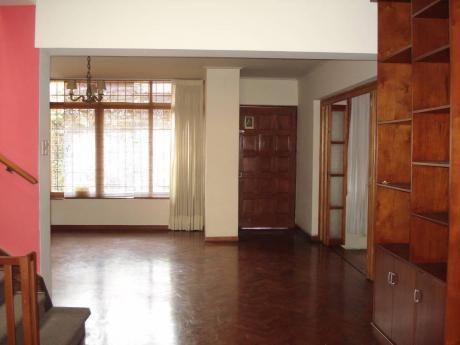 Casa En San Antonio Remodelada En Alquiler 4 Dorm. $2000 Con Linea Blanca