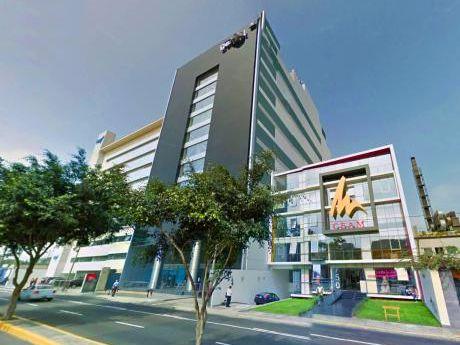 ¡Céntrica Oficina 241 M2 Implementada En Av Benavides En Miraflores - Alquiler!