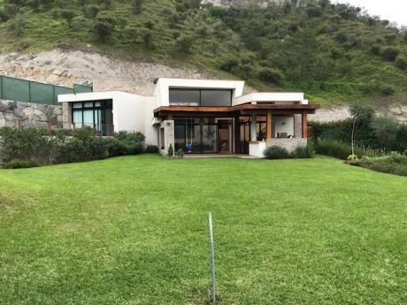 """Hermosa Y Moderna Casa En Condominio De Lujo """"la Quebrada - Cieneguilla"""""""
