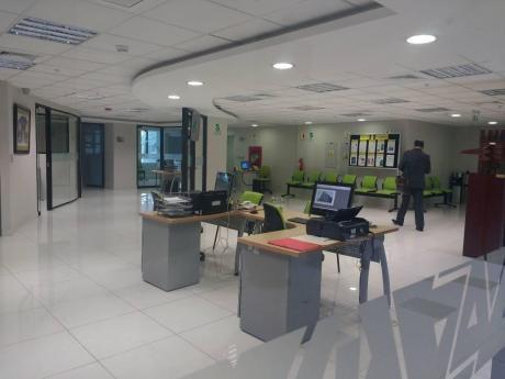 Alquilo 4 Pisos De Oficinas Implementadas En Edificio Empresarial De Miraflores