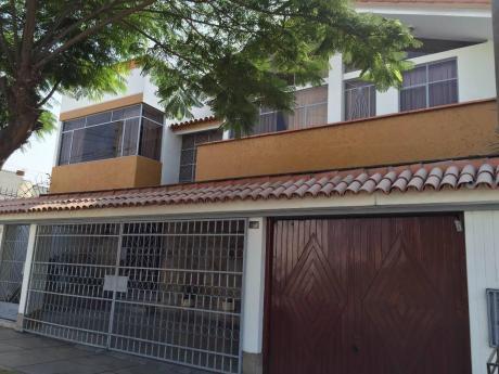 Vendo Casa De 300 Mt En Urbanizacion Los Ingenieros De La Molina