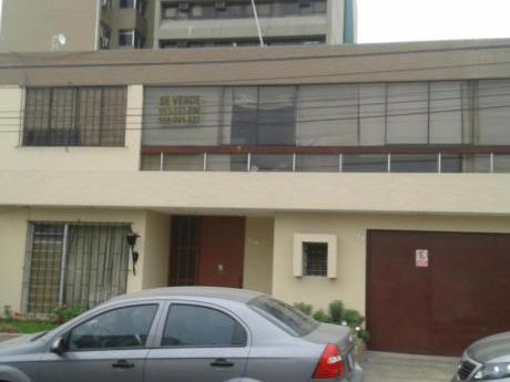 Ocasión Vendo Casa Ubicada En Zona Estrategicamente Comercial De San Isidro
