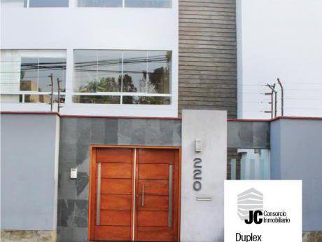 Vendo Duplex Semi Amoblado En Surco Con 3 Cocheras Y 3 Depósitos único Dueño