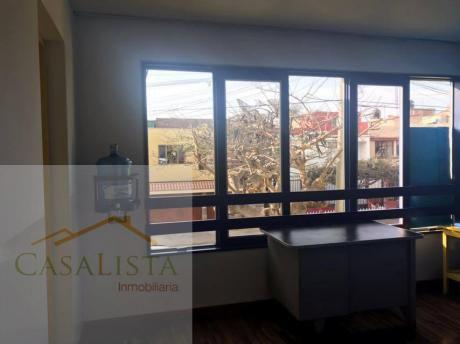Urb. San Andrés Alquiler Casa/ Local