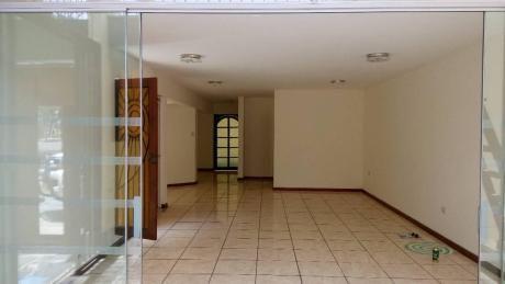 Venta Excelente Casa En Urb. Mayorazgo 168 M2