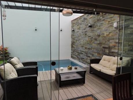 Exclusiva Casa Remodelada De Finos Acabados Con Piscina Terraza - 1 Cdra J Prado