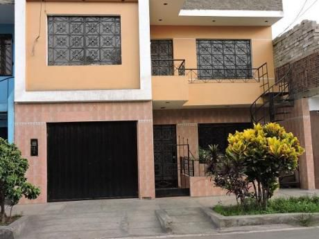 Vendo Linda Y Amplia Casa - Dpto En 2do Piso - Frente Parque A 2 Cdras Av Belaunde