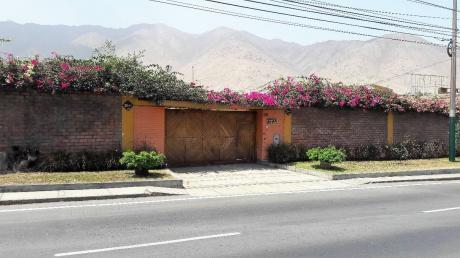 Casa De 1000 M2 En Av La Molina - Ideal Negocio - Frente 25.00 ML - Us$700,000