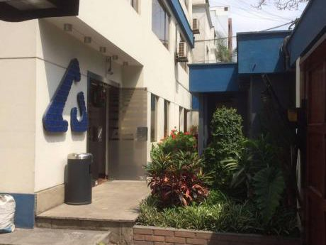 Oficina En Miraflores A Media Cuadra De Larco
