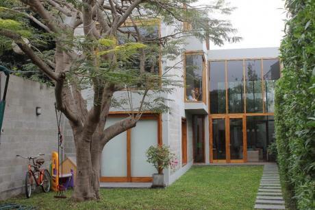 Moderna Casa A 1 Cuadra Del Malecón De Barranco