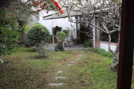 Vendo Excelente Casa Como Terreno En Alonso De Molina Surco